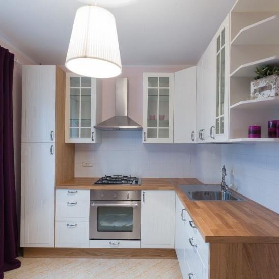кухня с отделкой в ЖК Мистола хиллс